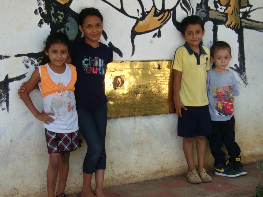 La Bermuda, una targa sul murales ricorda il sacrificio di Marianella