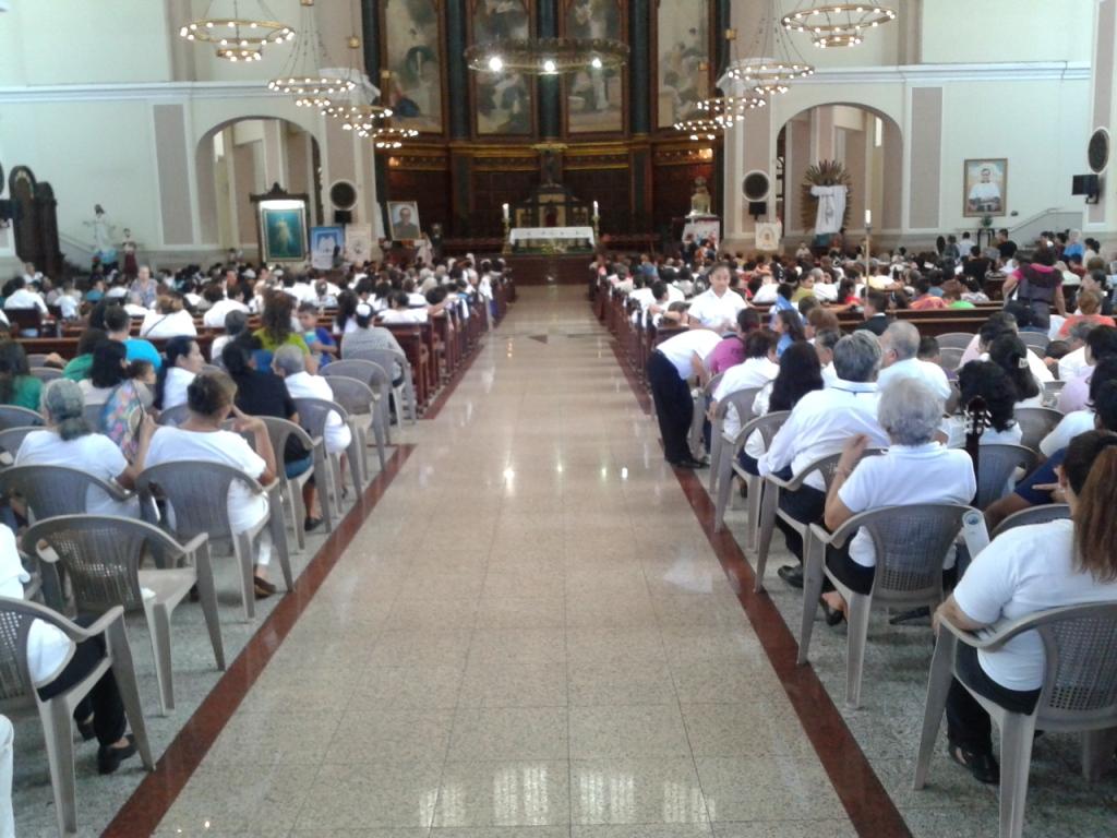 Messa in cattedrale per il 98° compleanno di mons. Romero